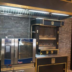 Тепловое оборудование для кухни ресторана и кафе. Отель Hilton 5*, ресторан «All Dining Restaurant», Киев. На фото гриль Molteni, пароконвектомат TouchLine Electrolux Professional.