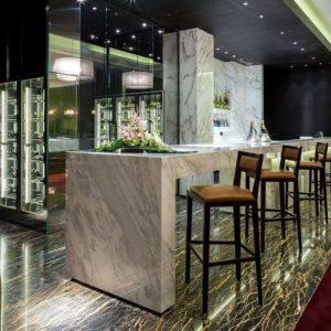 Профессиональное ресторанное оборудование для заведений HoReCa. Отель Hilton 5*, ресторан «All Dining Restaurant», Киев. На фото барная зона ресторана.