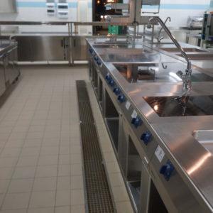 Все виды профессионального кухонного оборудования для ресторана и кафе. Отель Hilton 5*, ресторан «All Dining Restaurant», Киев. На фото тепловой технологический остров TermaLine Electrolux.