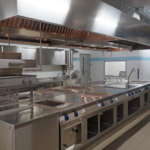 Подбор и установка профессионального оборудования для кухни ресторана от Profitex. Отель Hilton 5*, ресторан «All Dining Restaurant», Киев. На фото тепловой технологический остров TermaLine Electrolux.