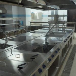 Тепловое оборудование Electrolux Professional для кухни ресторана и кафе. Отель Hilton 5*, ресторан «All Dining Restaurant», Киев. На фото тепловой технологический остров TermaLine Electrolux Professional.