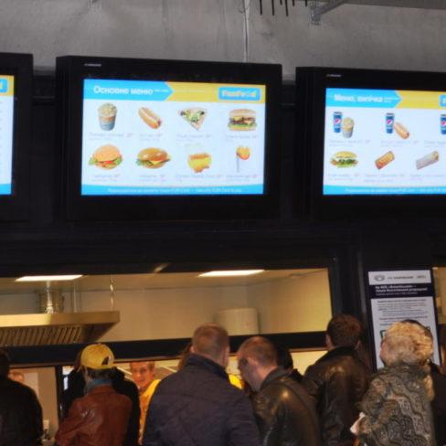 Подбор и установка профессионального оборудования для ресторанов, фастфудов, кафе. Стадион Олимпийский, Киев. На фото кассовая зона точки фастфуда.