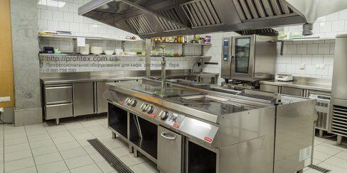 Подбор, установка и сервисное обслуживание теплового оборудования для ресторана, бара, кафе. Ресторан CICADA Kitchen & Wine Bar, Украина, Днепр. На фото тепловое модульное оборудование Modular (островная единица), пароконвекционная печь Rational.