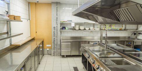 Холодильное, тепловое и нейтральное оборудование для ресторана, бара, кафе, заведений общепита. Ресторан CICADA Kitchen & Wine Bar, Украина, Днепр. На фото тепловое модульное оборудование Modular (островная единица).
