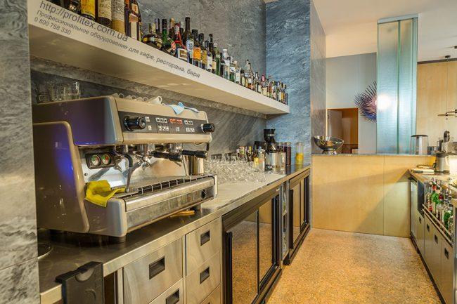 Полный ассортимент профессионального оборудования для ресторана и бара от Profitex Украина. Ресторан CICADA Kitchen & Wine Bar, Украина, Днепр. На фото барное оборудование для ресторана.