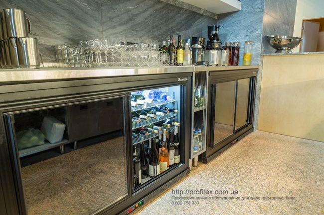 Барное оборудование в наличии и под заказ от Profitex Украина. Ресторан CICADA Kitchen & Wine Bar, Украина, Днепр. На фото холодильные шкафы для напитков.