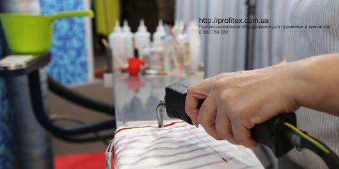Оборудование для удаления пятен для химчистки и аквачистки. Студия чистки одежды Green Way, Украина, Киев. На фото пятновыводной стол Pony Италия.