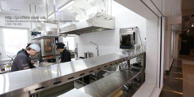 Холодильное, тепловое и нейтральное оборудование для ресторана, бара, кафе, заведений общепита. Отель Ibis Вокзал, Украина, Киев. На фото оборудование MODULAR Италия, Sammic Испания.