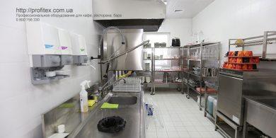 Проектирование посудомоечного цеха компанией Profitex Украина. Отель Ibis Вокзал, Украина, Киев. На фото посудомоечный цех с оборудованием MODULAR Италия, Klarco Италия.