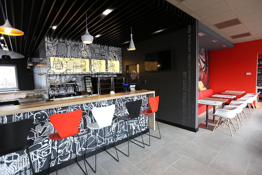 Оснащение бара и ресторана профессиональным оборудованием. Отель Ibis Вокзал, Украина, Киев. На фото оборудование MODULAR, Wega, Tecfrigo.