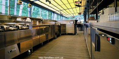 Кухонное профессиональное оборудование для ресторана и бара. Отель Semarah Lielupe, Латвия, Юрмала. На фото холодильное оборудование MODULAR Италия, гриль Electrolux Professional DRLH Италия, шкаф шоковой заморозки Electrolux Professional Италия, морозильный шкаф Electrolux Италия.