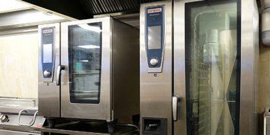 Пароконвекционные печи для профессиональной кухни ресторана, кафе, бара. Отель Semarah Lielupe, Латвия, Юрмала. На фото пароконвекционные печи на 20 и 10 уровней RATIONAL Германия, тепловое модульное оборудование MODULAR Италия.