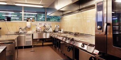 Тепловое оборудование для ресторана, кафе, столовых. Отель Semarah Lielupe, Латвия, Юрмала. На фото пароконвекционная печь на 10 уровней RATIONAL Германия, тепловое модульное оборудование MODULAR Италия.