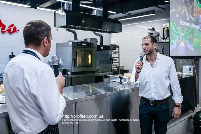 Специализированное кухонное оборудование для HoReCa. Гастрономическая лаборатория GastroHub, Украина, Киев. На фото печь для низкотемпературного приготовления FAB 52 E Moduline Италия, пароконвекционная печь на 6 уровней L 6GN 1/1 Distoform MyChef.
