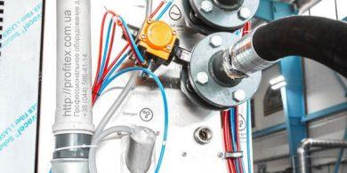 Профессиональное оборудование для химчистки и прачечной. Индустриальная прачечная. На фото подключения профессиональной стиральной машины JENSEN JWE 110/250.