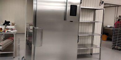Холодильное и морозильное оборудование для кондитерской, пекарни, кафе. Пекарня Коперше, Украина, Киев. На фото аппарат шоковой заморозки Gemm Италия.