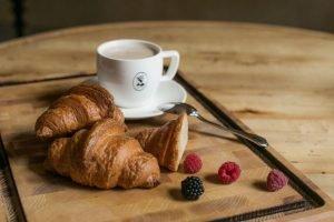 Оборудование для кондитерского и хлебопекарного производства. Кафе Пекарня ZIZU Boulangerie, Украина, Николаев. На фото блюдо из меню кафе.