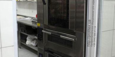 Печи для пекарни, кулинарии и выпечки от PROFITEX. Кафе-пекарня «Chef's Bakery Пекарня от шефа», Украина, Сумы. На фото комбинированная печь для выпечки Venarro, состоящая из конвекционной печи, подовой печи и расстоечного шкафа.