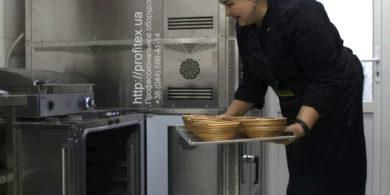 Тепловое оборудование для кафе, пекарни, кондитерской, ресторана. Кафе-пекарня «Chef's Bakery Пекарня от шефа», Украина, Сумы. На фото тепловое оборудование HENDI (Нидерланды), комбинированная печь для выпечки Venarro, состоящая из конвекционной печи, подовой печи и расстоечного шкафа.