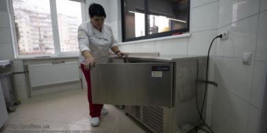 Профессиональное холодильное оборудование для пекарни, кондитерской, кафе. Кафе-пекарня «Chef's Bakery Пекарня от шефа», Украина, Сумы. На фото холодильное оборудование GEMM (Италия).