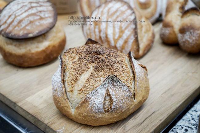 Пекарня под ключ от PROFITEX. GASTRO BAKERY HUB, Украина, Киев. На фото хлебные изделия, приготовленные для презентации открытия студии GASTRO BAKERY HUB.