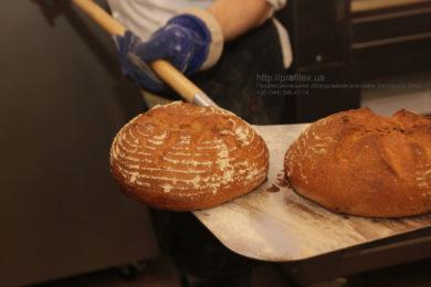 Комплект оборудования для пекарни от PROFITEX. Мастер-класс ВСЕ О РЖАНОМ ХЛЕБЕ 10-11 февраля 2020, Киев. На фото приготовление ржаного хлеба.