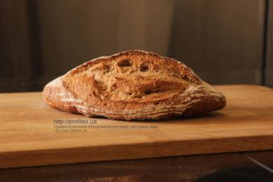 Специализированное оборудование для пекарни, пиццерии и кондитерской. Мастер-класс ВСЕ О РЖАНОМ ХЛЕБЕ 10-11 февраля 2020, Киев. На фото ржаной хлеб, испеченный на мастер-классе.